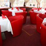 Lounge im Bug des Schiffes